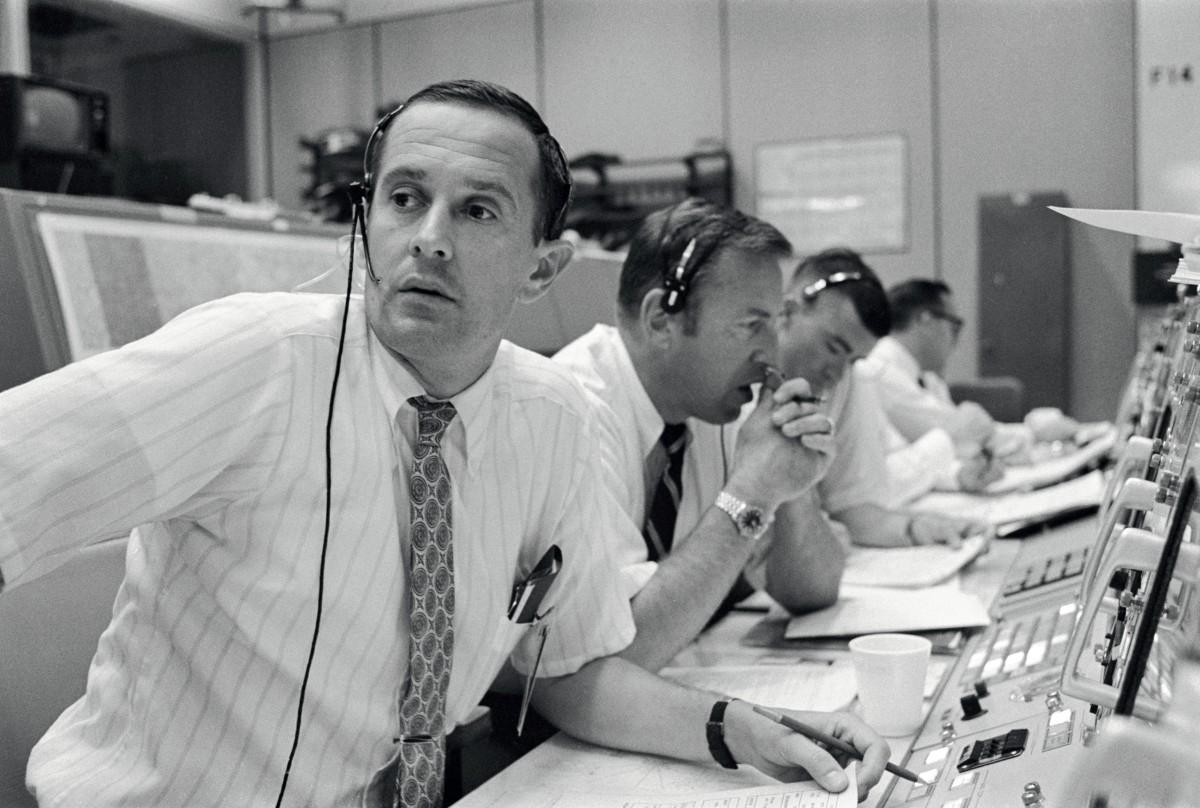 Duke,_Lovell_and_Haise_at_the_Apollo_11_Capcom,_Johnson_Space_Center,_Houston,_Texas_-_19690720