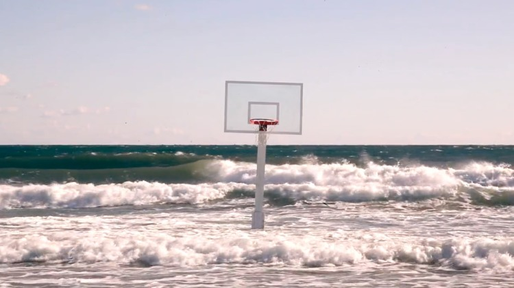 the-hoop-and-the-sea