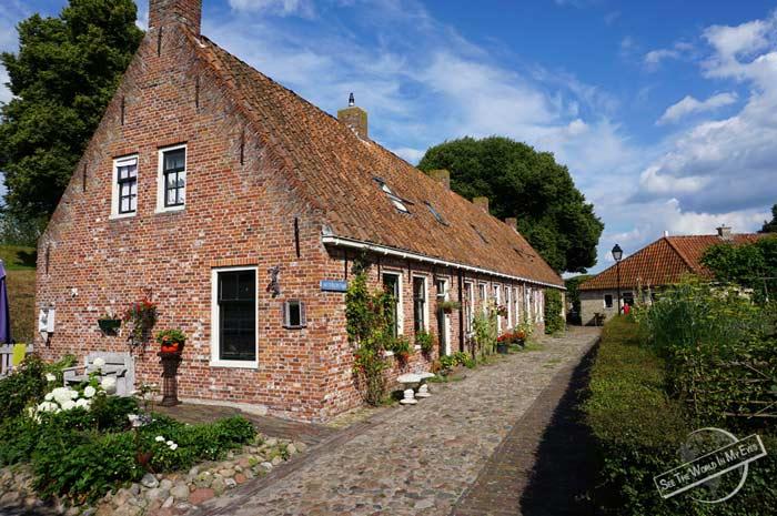 140713-04-Red-Brick-Houses-of-the-Star-Fort-Village-Bourtange-Netherlands
