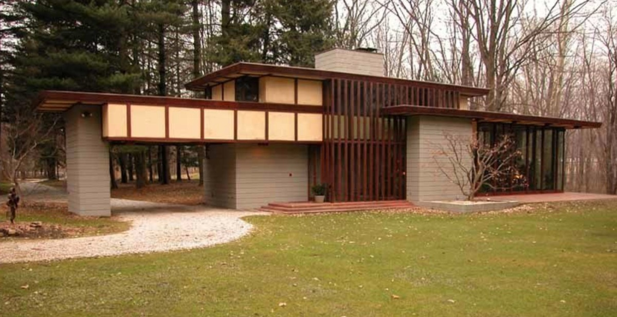Frank Lloyd Wright Home Moss and Fog 8