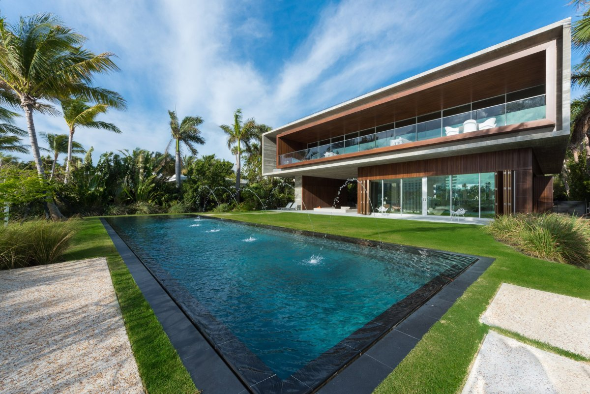 home-swimmable-lagoon-studio-mk-27-architecture-residential-miami-moss-and-fog11