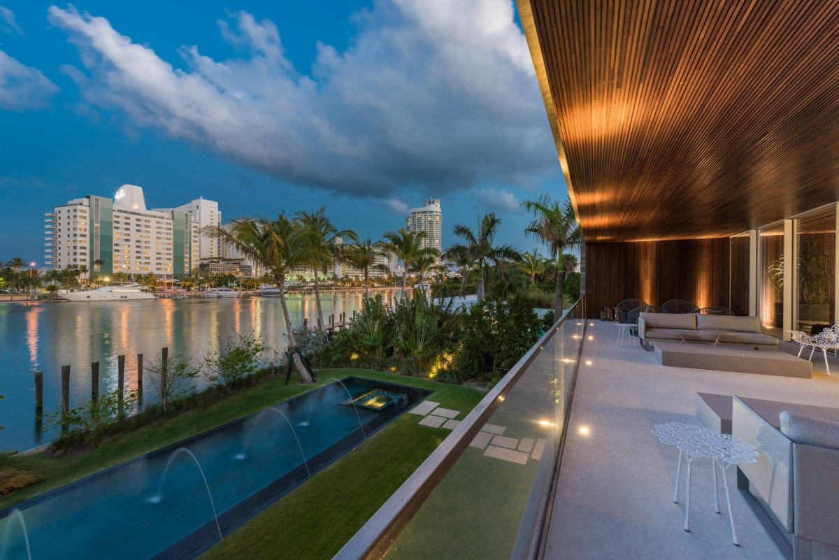 home-swimmable-lagoon-studio-mk-27-architecture-residential-miami-moss-and-fog4